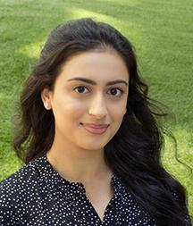 Zainab-Sheraz-outside
